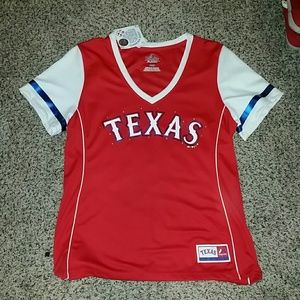 Texas Rangers shirt.